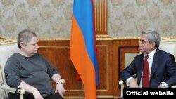 Встреча президента Армении Сержа Саргсяна с заместителем госсекретаря США по вопросам Европы и Евразии Тиной Кейденау, Ереван, 29 апреля 2011 г.