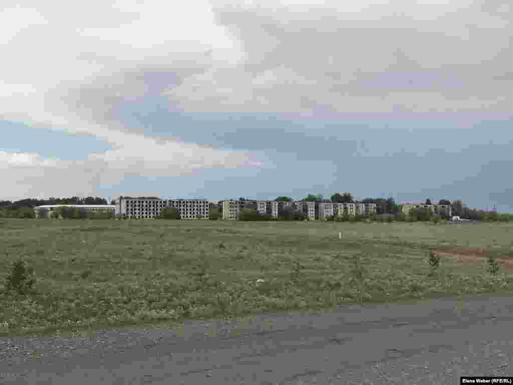 """Сами жители Нового Жайрема называют его """"городом-призраком""""."""