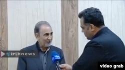 عکس مصاحبه محمدعلی نجفی با خبرنگار صداوسیما در اداره آگاهی