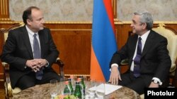 Armenia -- President Serzh Sarkisian meets U.S. Deputy Assistant Secretary of State Eric Rubin in Yerevan, 10Dec2013