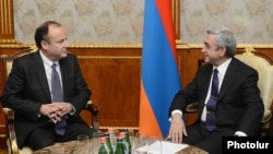 ԱՄՆ-ի պետդեպարտամենտի ներկայացուցիչ Էրիկ Ռուբինը Հայաստանի նախագահի հետ հանդիպմանը, արխիվ