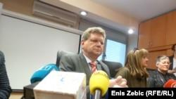 Ministar Mirando Mrsić na konferenciji za novinare, 13. siječnja 2012.