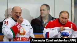 Александр Лукашенка менен Владимир Путин хоккей боюнча жолдоштук беттешүү маалында. Сочи. 7-февраль, 2020-ж.