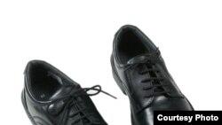 Американские сапожники в кризис заработают себе и на хлеб, и на обувь