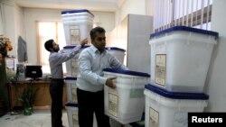 ირანის საარჩევნო უბნებზე გახურებული სამზადისია