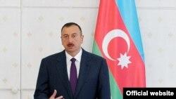 Президент Азербайджана Ильхам Алиев выступает на заседании правительства Азербайджана, Баку 14 января 2011 г.
