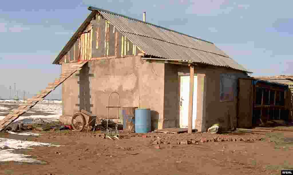Так выглядит дом Кульшат снаружи. - Так выглядит дом Кульшат снаружи.