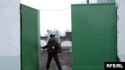 Сотрудники управления внутренних дел Жодино отметили, что условия содержания задержанных нормальные, жалоб от них руководству заведения не поступало