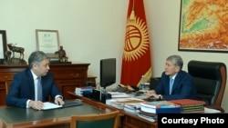 Президент Атамбаев тышкы иштер министри Абдылдаевди кабыл алды.
