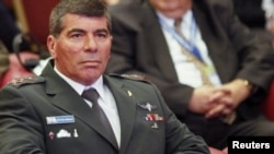 Israeli army chief Lieutenant General Gabi Ashkenazi (file photo)