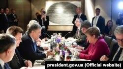 Петр Порошенко встретился с Ангелой Меркель в Мюнхене