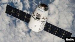 Грузовой корабль Dragon компании SpaceX