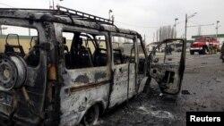 15 февраля на посту ГИБДД у села Джемикент Дербентского района смертник, управляя автомобилем, привел в действие взрывное устройство. Погиб он сам, двое полицейских и посторонняя женщина, скончавшаяся позже в больнице. Еще 17 человек получили ранения