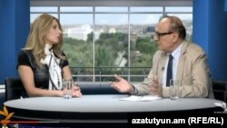Депутат парламентской фракции «Наследие» Заруи Постанджян в студии «Азатутюн ТВ», Ереван, 4 сентября 2015 г.
