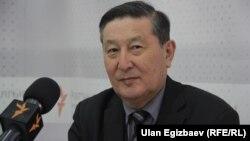Мукар Чолпонбаев.