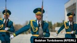 Солдаты Почетного караула Национальной гвардии.