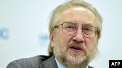 СПИД-на дуьхьал къийсам латточу центран куьйгалхо Покровский Вадим