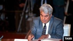 Türkmenistanyň öňki prezidenti Saparmyrat Nyýazow, 1991-nji ýyl.