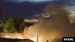 1989 йилги Фарғона воқеалари оқибатида расмий маълумотларга кўра¸ аҳолининг 757 уйи, давлатнинг 27 объектига ўт қўйилган ва талон-тарож қилинган.