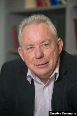 Джеффри Робертс