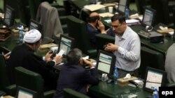 Иран парламенті депутаттары (Көрнекі сурет).