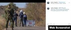 Поруч із представниками ОБСЄ у Петрівському знаходяться і бойовики російських гібридних сил