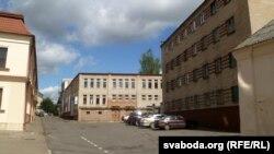Адміністрацыйныя будынкі на вуліцы Сьвёнтка.