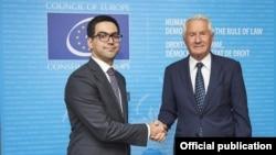 Министр юстиции Армении Рустам Бадасян (слева) и генеральный секретарь Совета Европы Торборн Ягланд, Страсбург, 2 июля 2019 г.