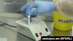 Armenia -- Coronovirus testing at a hospital in Yerevan, April 7, 2020.