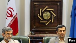 محمود احمدینژاد در نشستی در بانک مرکزی ایران