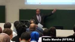 Вена -- Германера профессор Iумар Хамдан ву КъурIан аяташ тидарх лаьцна дуьйцуш.