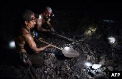 Гірники на шахті у Макіївці. Грудень 2014 року