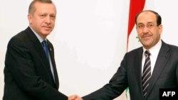 المالكي يستقبل إردوغان في بغداد في 28 آذار 2011