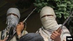 """Боевики пакистанской ячейки """"Талибана""""."""