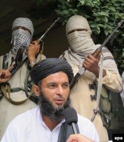 """""""Талибан"""" қозағылысының мүшелері мәлімдеме жасап тұр. (Көрнекі сурет)"""