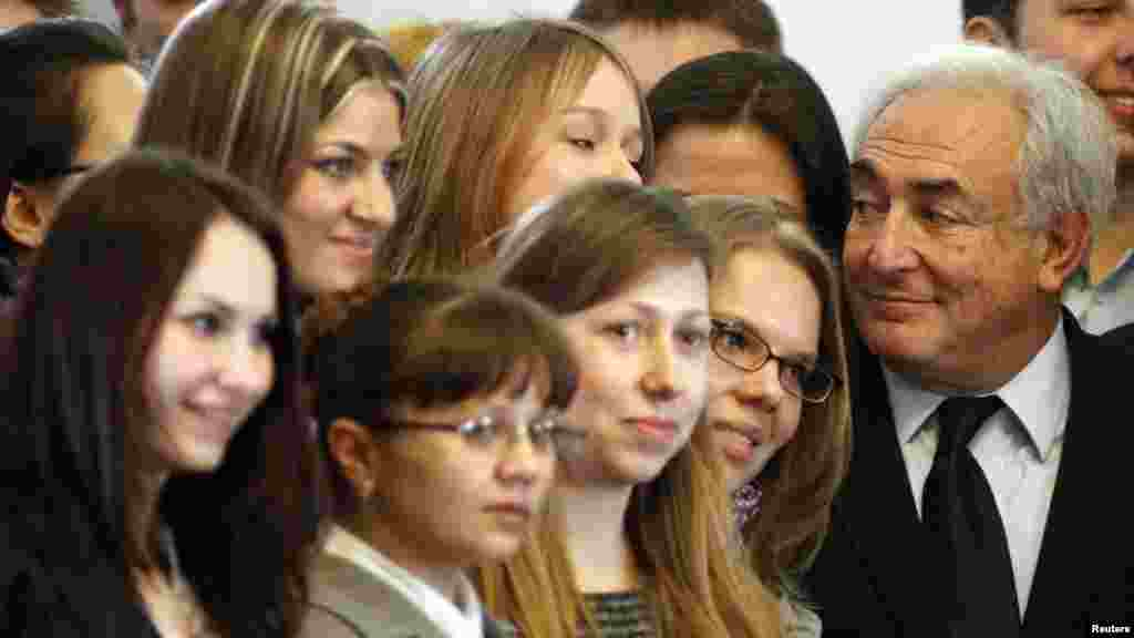 Ukrajina - Bivši prvi čovjek MMF-a, Dominique Strauss-Kahn održao je predavanje studentima na univerzitetu u Kijevu, 04.04.2012. Foto: Reuters / Gleb Garanich