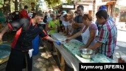 На фестивале национальной кухни народов Крыма и Севастополя. Севастополь, 30 августа 2020 года