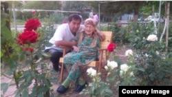 Siyosiy mahbus Dilmurod Sayyidning 89 yoshida vafot etgan onasi Hamida Tolipova va ukasi Obid Saidov.