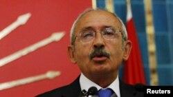 Müxalifət lideri Kemal Kılıcdaroğlu Yıldırımı korrupsiyada ittiham edib
