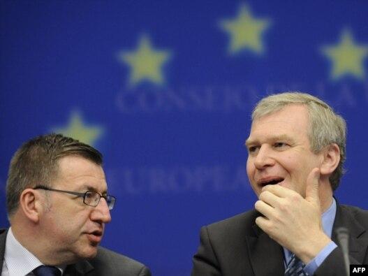 Yves Leterme i Steven Vanackere u sjedištu EU u Briselu, 25 jun 2010