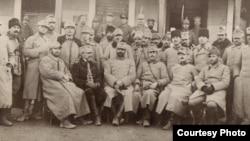 Ofițeri români în lagărul de la Dänholm-Stralsund (Foto: Expoziția Marele Război, 1914-1918, Muzeul Național de Istorie a României)