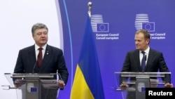 Президент Украины Пётр Порошенко на совместной пресс-конференции с Дональдом Туском в Брюсселе.