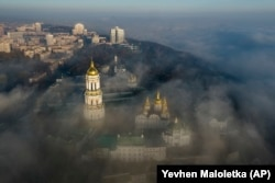 Киево-Печерская лавра. Сейчас она находится в ведении УПЦ МП
