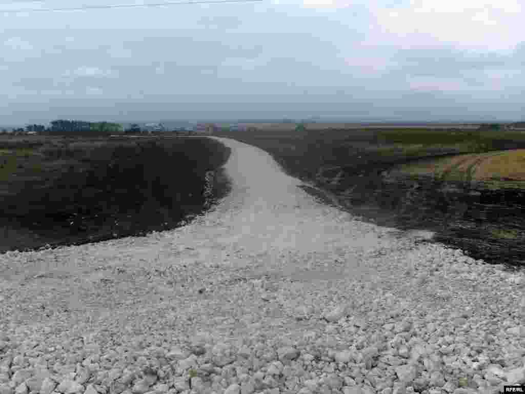 Таш юл күршедәге чуаш авылы урамына да җәелде