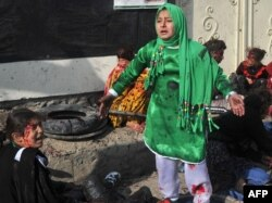 Djevojčica plače nakon napada u Kabulu