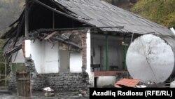 Arxiv fotosu: Zatala rayonunda 2012-ci ildə baş vermiş zəlzələdə xeyli dağıntılar olmuşdu.