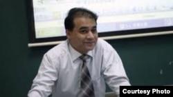Китайский профессор уйгурского происхождения Ильхам Тохти, отбывающий пожизненное наказание в Китае.