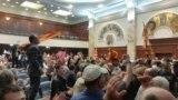 Демонстранти упаднаа во Парламентот