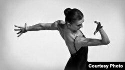 Александра Мијалкова, балерина.