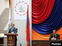 Նախագահ Սերժ Սարգսյանը դիմում է նորընտիր քաղաքապետ Տարոն Մարգարյանին, 18 նոյեմբեր, 2011